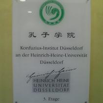Plexiglasschild mit Logo